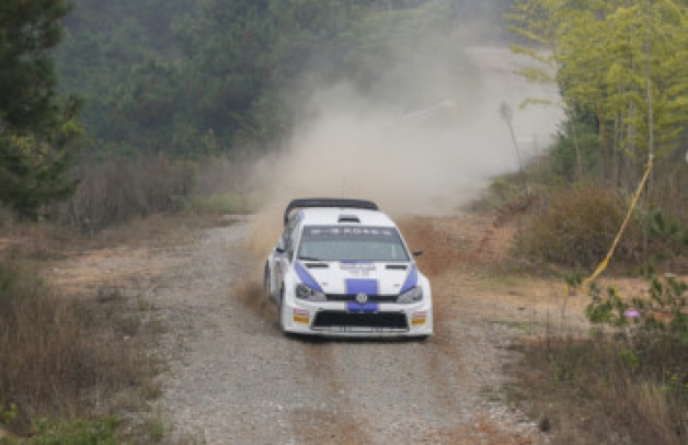 Chris Atkinson in the Prodrive VW Golf on the Rally China