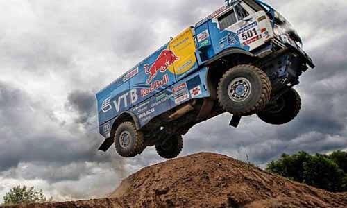 Truck race : Russian nesting dolls, Kamaz style