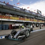 Australian Grand Prix: Defending champion Hamilton on pole position
