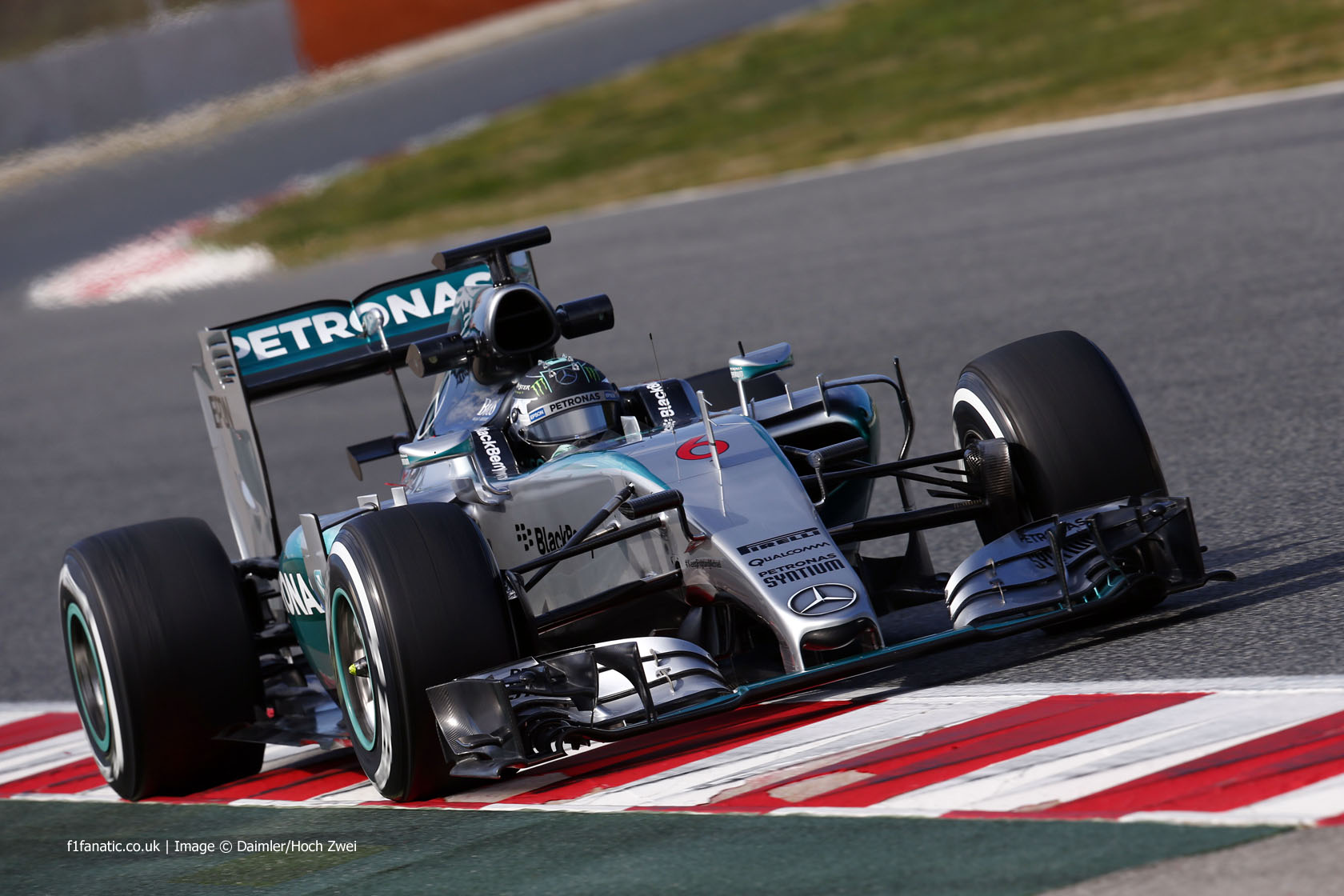 F1 Spanish Grand Prix Rosberg Commands And Conquers Gp Starting Lights From His First Pole Position Of The Season Made No Mistake To Take Lead Opening Bends But Hamilton Would Get