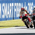 Jorge Lorenzo edges thrilling Italian GP