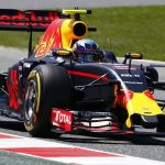 Verstappen shrugs off rival's criticism