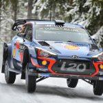 Rally Sweden:  Neuville hangs on