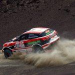 Lima 2019 mascot visits Games ambassador at Dakar Rally